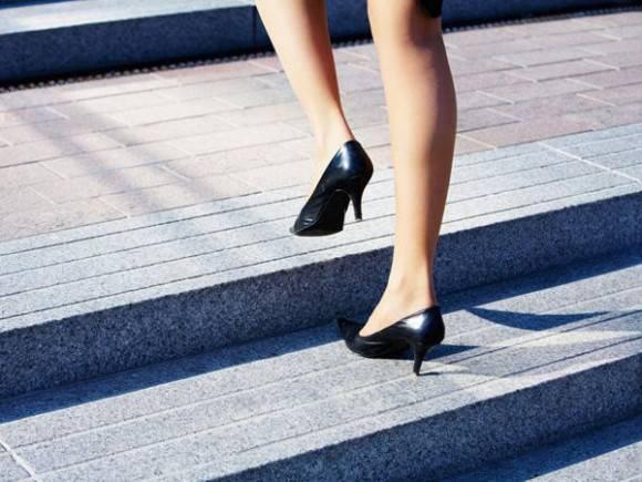ふくらはぎ細く歩き方