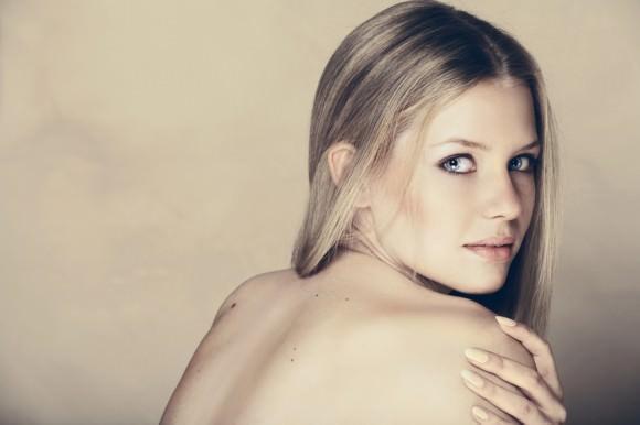 beautiful blond woman .