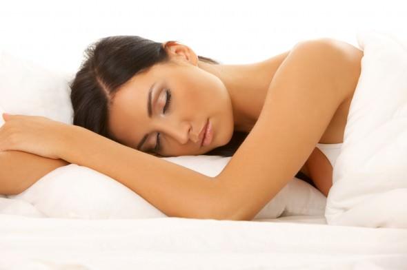 眠りが浅い寝つきが悪いは美容の敵!快眠に導く7つの効果的な方法