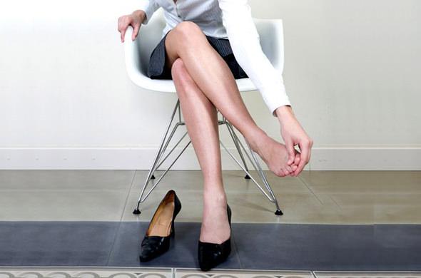 足のむくみは危険!足のむくみの原因と5つの解消法